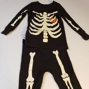 Halloween Sleep Set Old Navy size 2T Skeleton